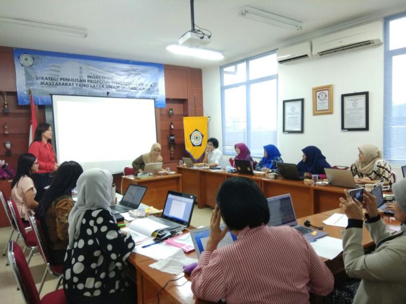 Workshop Proposal Pengabdian Kepada Masyarakat yang Layak Untuk Didanai Hibah